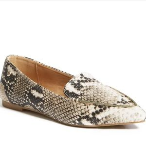 GUESS   Erica Pointed Toe Flats